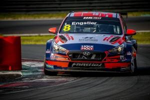 El equipo Engstler Hyundai N LIQUI MOLY Racing Team en la WTCR 2020.