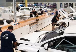 A partir de ahora, Hyundai Motorsport Customer Racing utilizará en su taller más de 80 productos de LIQUI MOLY.